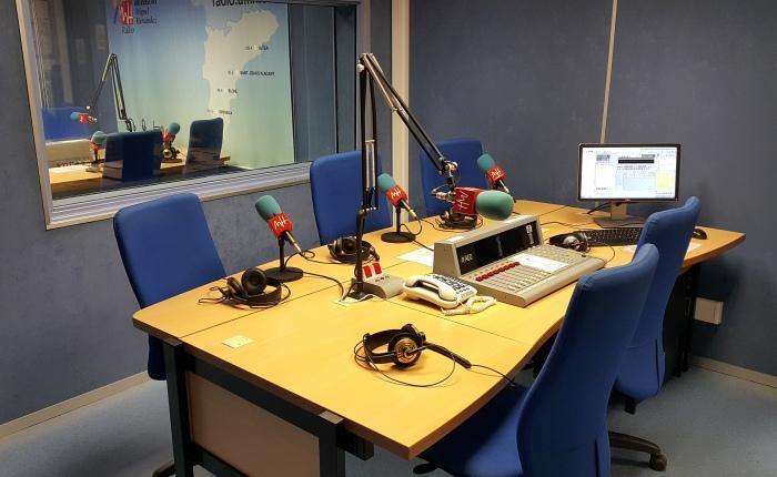 De colaborar en la radio II: ElectricBugaloo
